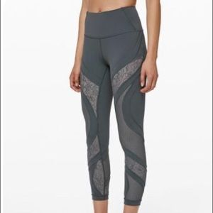 Lululemon Wunder Under Tight Lace